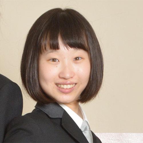 高校2年生 生徒会長 尾崎 千佳さん